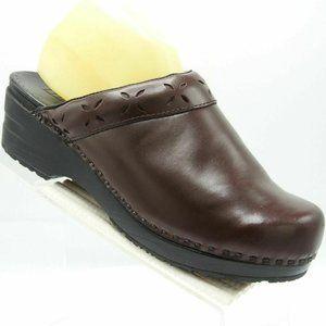 L.L. Bean Size 10 M Brown Leather Clogs C2B D6